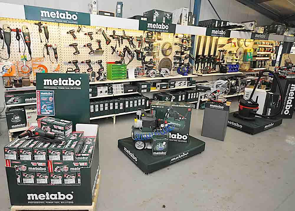 Was auch immer Sie an Werkzeug oder Maschinen benötigen - bei uns finden Sie so ziemlich alles. Und das von Markenherstellern mit Qualität und Langlebigkeit.